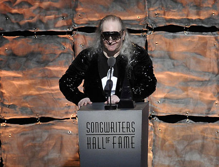 Jim Steinman delivering his SHOF acceptance speech